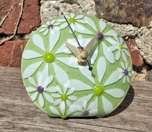 Daisy 'Q' Clock - Lime