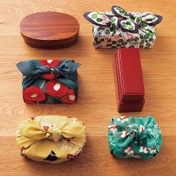 How do I wrap small boxes with Furoshiki?