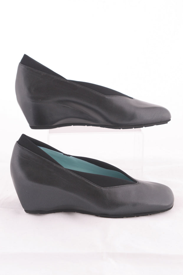 Thierry Rabotin - Taos Navy Blue Wedge Leather Pump