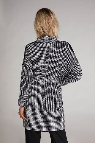 Oui -  Long Cotton Knit Cardigan in Black & White Dog-Tooth Print