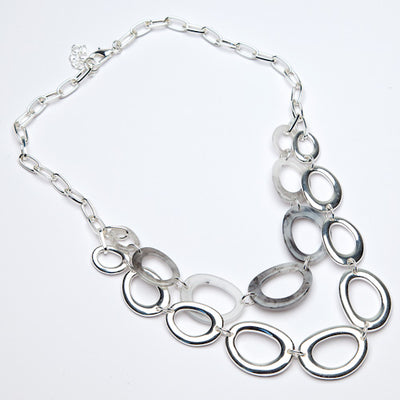 Eliza Gracious - Twin Strand Short Resin & Oval Silver Metal Link Necklace