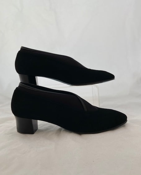 Thierry Rabotin – Reese Low Heeled Suede Court Shoe