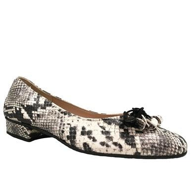 HB - JEST Low Heeled Printed Leather Pump with Tassel in Snake Print