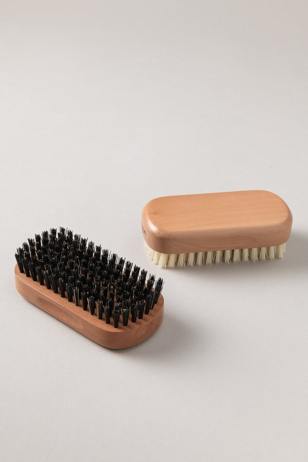 Spazzolino unghie medio - Medium nail brush