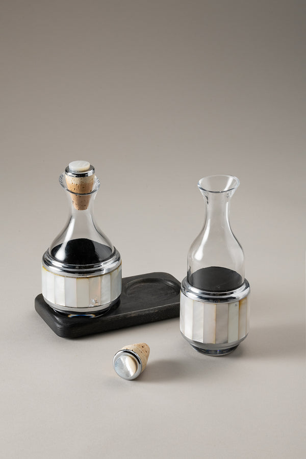 Essential table pourer set