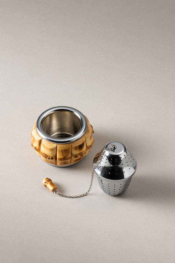 Tea infuser with resting plate