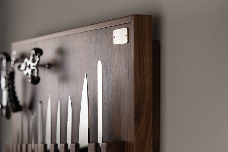 Medium wall-mounted knifes set