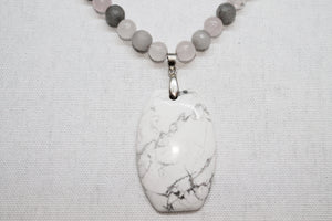 White Howlite feature necklace