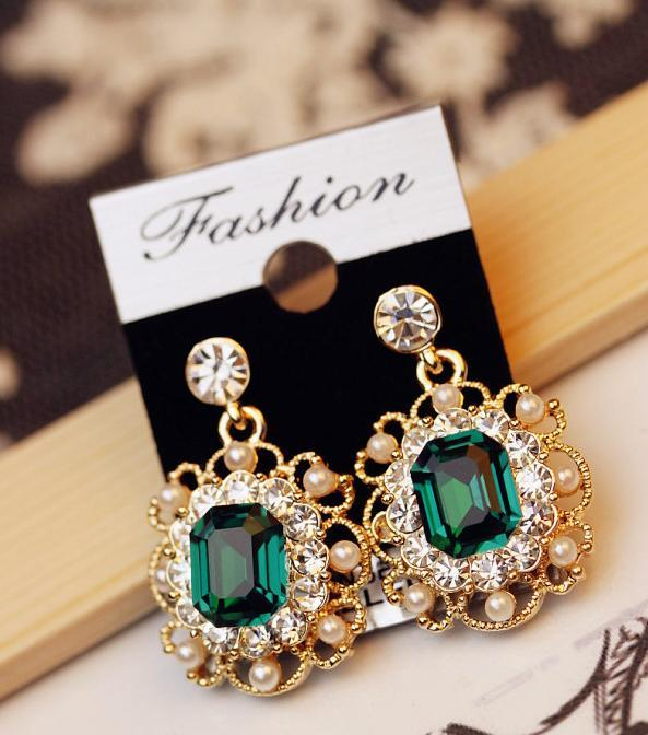 Women's  Pearls Vintage Fashion Stud Earrings - Bec's luxury store