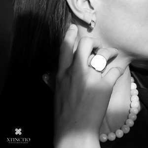 Xtinctio -  Ring Hand Made in Italy by a 3rd generation goldsmith using the ancient and rarely used Etruscan enamel technique. eco-conscious jewelry , white enamel polar bear
