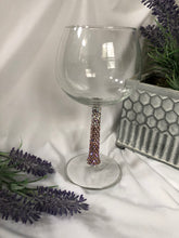 Load image into Gallery viewer, purple/gold ombre wine glass