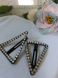snap triangle hair clips