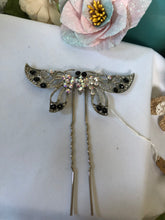 Load image into Gallery viewer, butterfly hair pin