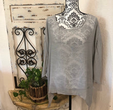 Load image into Gallery viewer, Lagenlook linen blouse (shirt)