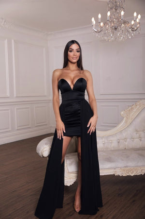 The liano dress in black by dollhouse