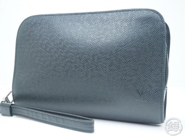 AUTHENTIC PRE-OWNED LOUIS VUITTON TAIGA BLACK ARDOISE POCHETTE BAIKAL CLUTCH BAG PURSE M30182