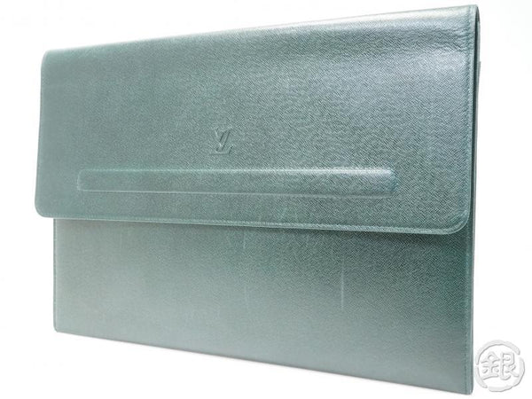 AUTHENTIC PRE-OWNED LOUIS VUITTON TAIGA GREEN EPICEA POCHE PAPIER DOCUMENT CASE BAG M64338 162145