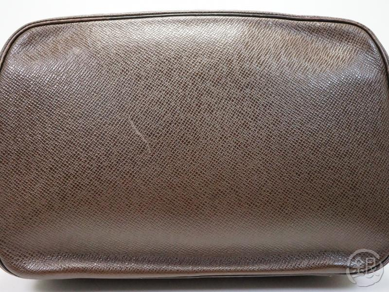 AUTHENTIC PRE-OWNED LOUIS VUITTON TAIGA GRIZZLI GRIZZLY TROUSSE TOILETTE GM CLUTCH BAG POUCH M30218