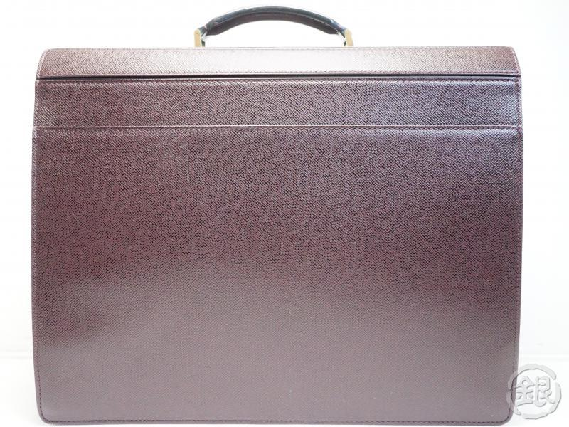 AUTHENTIC PRE-OWNED LOUIS VUITTON TAIGA ACAJOU PILOT CASE OURAL DOCUMENT CASE M30026 181657