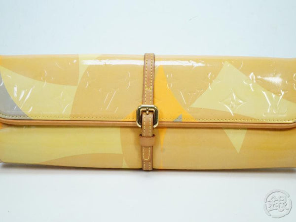 AUTHENTIC PRE-OWNED LOUIS VUITTON  LIMITED VERNIS POCHETTE FLEUR CROSSBODY CLUTCH 2WAY M91117 132594