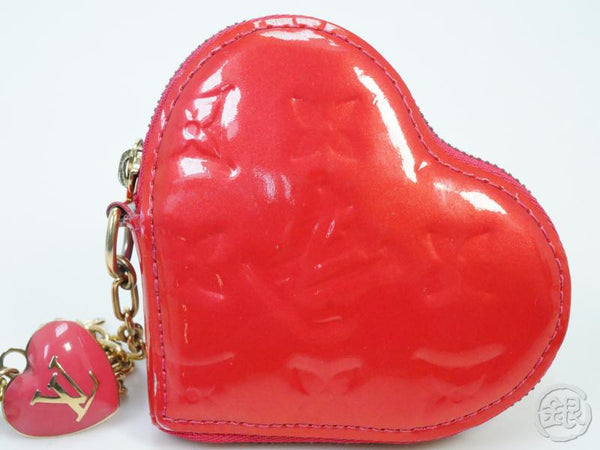 AUTHENTIC PRE-OWNED LOUIS VUITTON VERNIS ROSE POP PORTE-MONNAIE COEUR COIN CASE PURSE M93657 182147