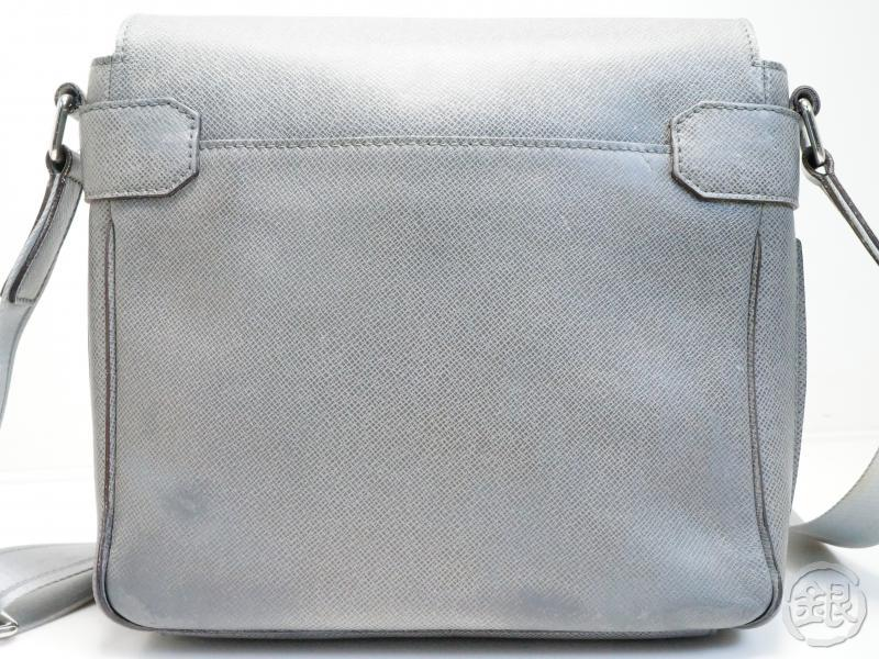 AUTHENTIC PRE-OWNED LOUIS VUITTON TAIGA GLACIER GRAY ROMAN PM MESSENGER CROSS BODY BAG M32700 181603