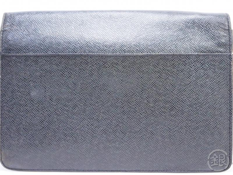 AUTHENTIC PRE-OWNED LOUIS VUITTON TAIGA ARDOISE BLACK POCHETTE SELENGA CLUTCH BAG M30782 190421