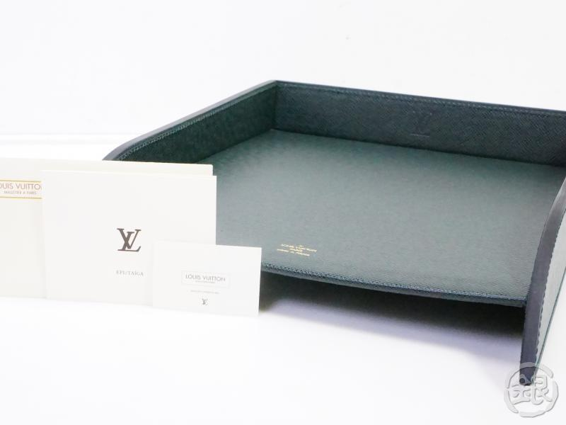 AUTHENTIC PRE-OWNED LOUIS VUITTON TAIGA EPICEA GREEN BOITE COURRIER MAIL TRAY M30254 190999