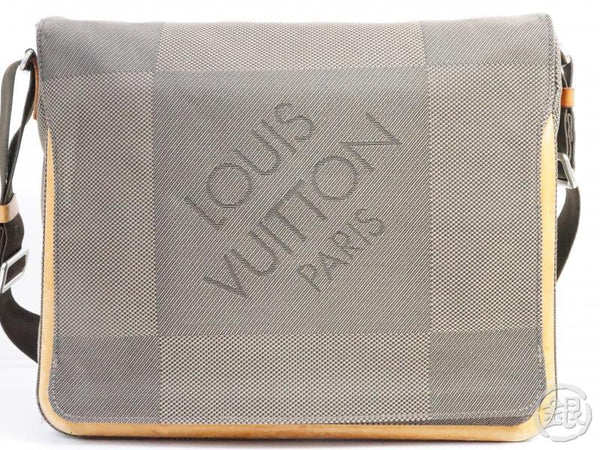 AUTHENTIC PRE-OWNED LOUIS VUITTON DAMIER GEANT TERRE MESSAGER LAPTOP MESSENGER BAG M93030 190600