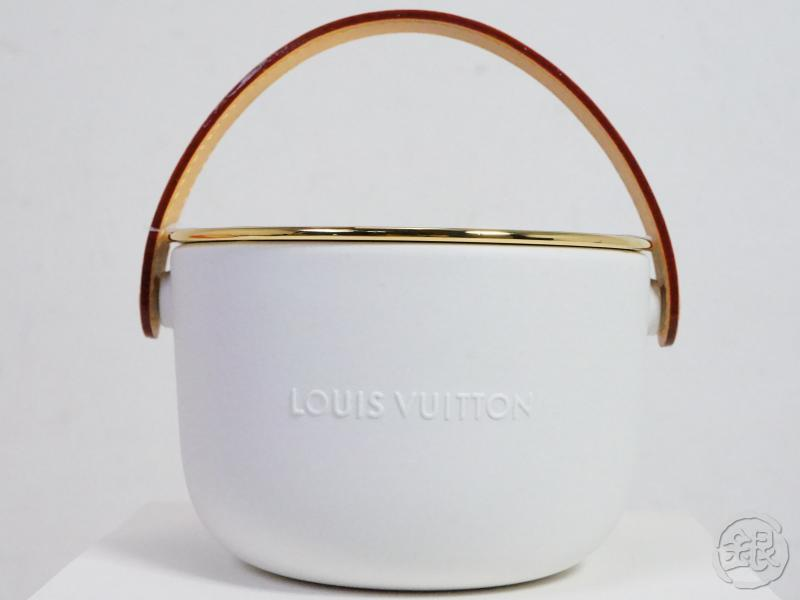 AUTHENTIC PRE-OWNED LOUIS VUITTON LIMITED FEUILLES D'OR YELLOW AROMA PERFUMED CANDLE LP0110 191772