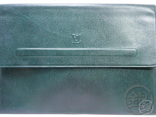 AUTHENTIC PRE-OWNED LOUIS VUITTON TAIGA EPICEA GREEN POCHE PAPIER DOCUMENT CASE BAG M64338 190478