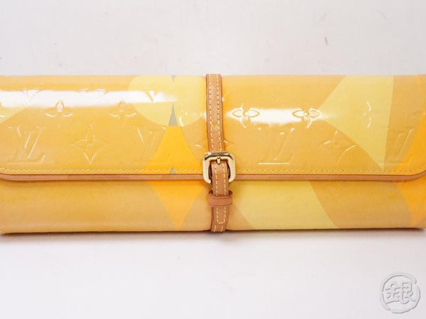 authentic pre-owned louis vuitton  limited vernis pochette fleur evening clutch bag m91117 200337