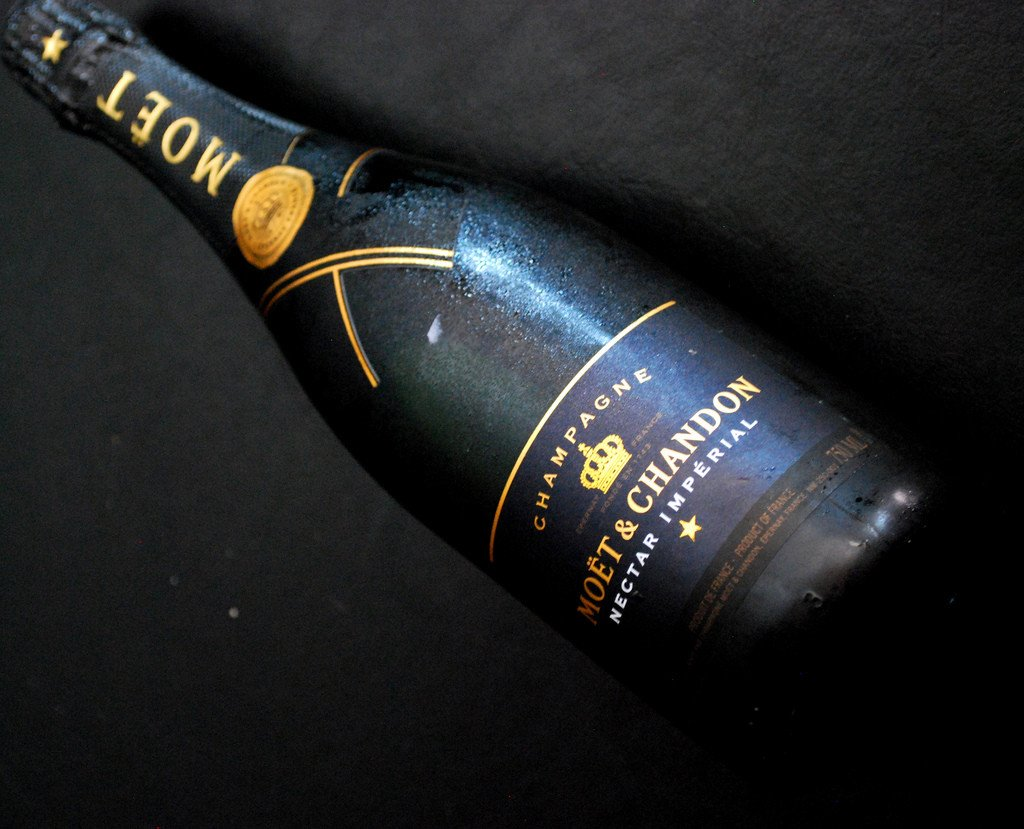 Moet Chandon Nectar Imperial - The Million Roses Budapest
