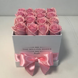 Cube- Pink Roses - White Box - The Million Roses Slovakia