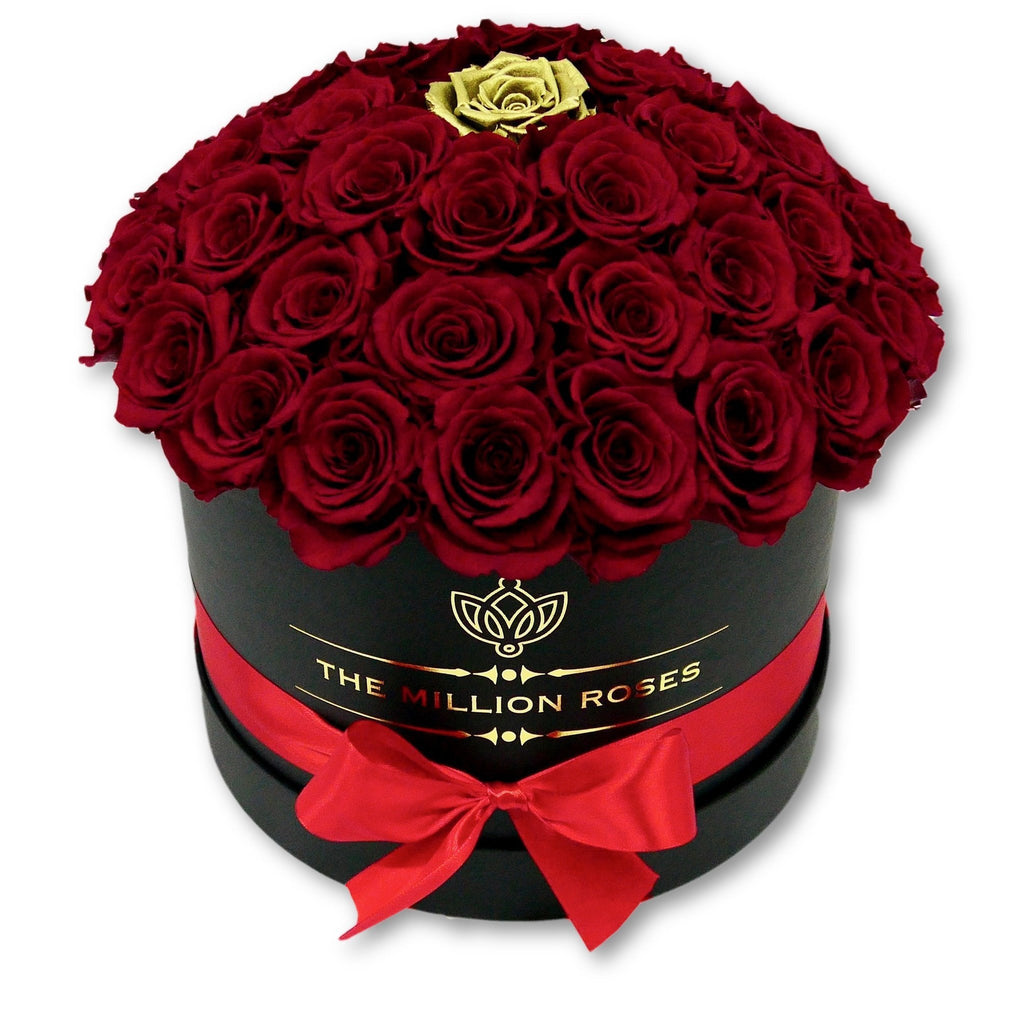 "The Million Roses Europe - Medium - Red Eternity Roses ""Sphere"" Gold Touch - Black Box Delivered Anywhere in Europe"