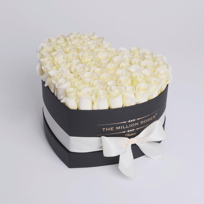 The Million Love Heart - White Roses - Black Box