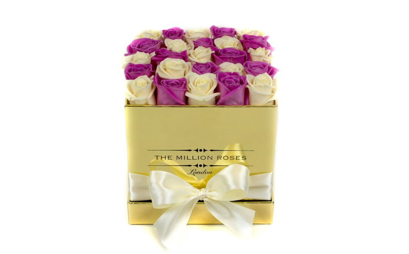 Cube -White & Pink Roses - Gold Box - The Million Roses Slovakia