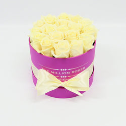 Small - White Roses  - Hot Pink Box - The Million Roses Slovakia
