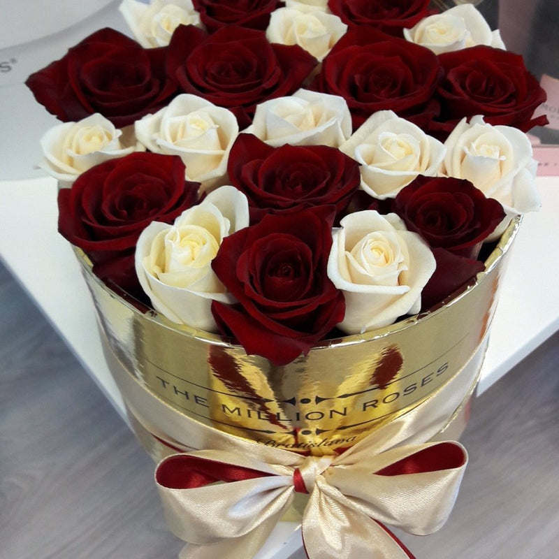 Small - Red & White Roses - Gold Box - The Million Roses Slovakia