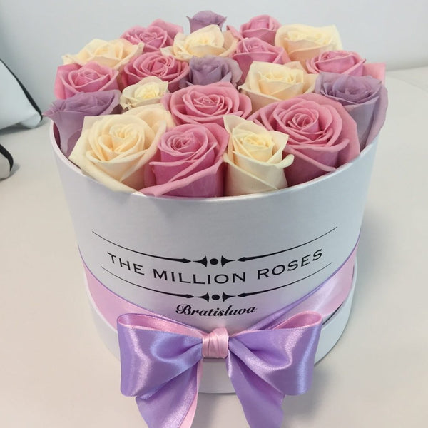 Small - Spring Mix Roses - White Box - The Million Roses Slovakia