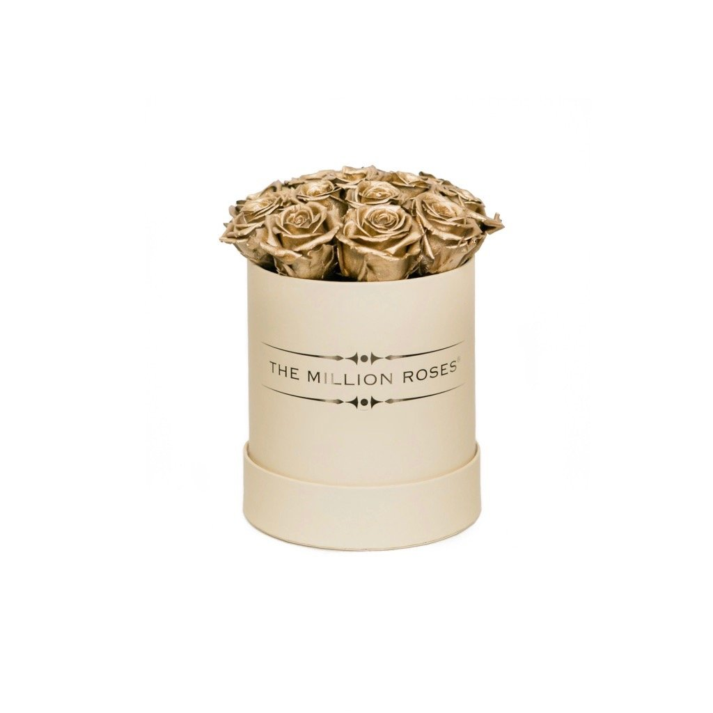 The Million Roses Europe - The Million Basic - Gold Eternity Roses Delivered Anywhere in Europe