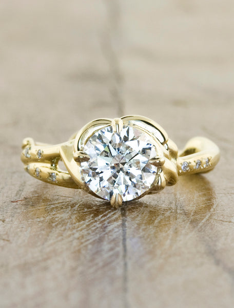 Nature inspired engagement ring;caption:1.00ct. Round Diamond 14k Yellow Gold