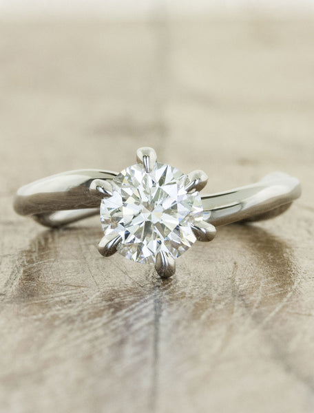 Unique engagement ring - Aurora 6-prong;caption:1.00ct. Round Diamond Platinum