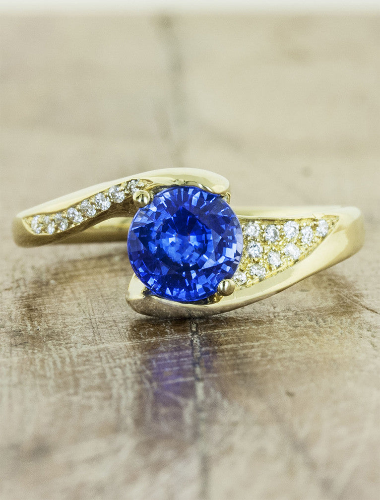 asymmetrical band sapphire ring yellow gold