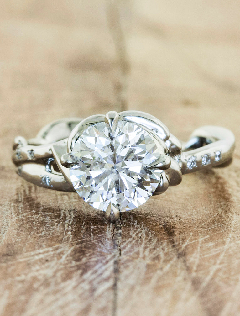 Daya: Sculptural Diamond Engagement Ring