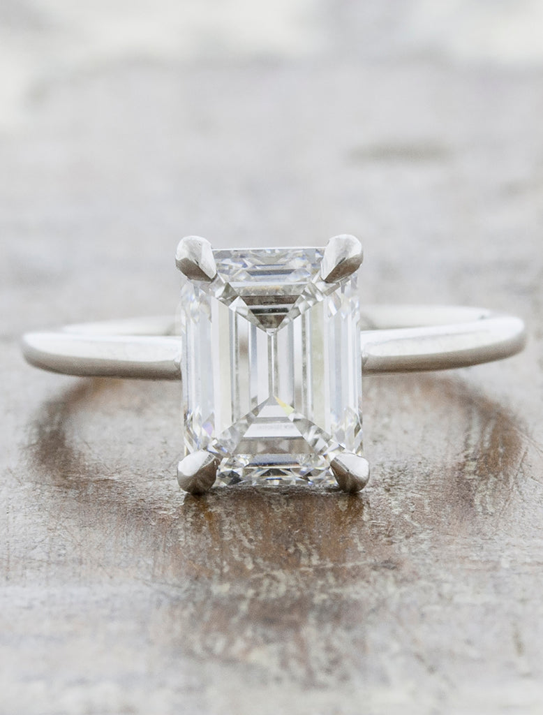caption:Shown with a 2ct center diamond