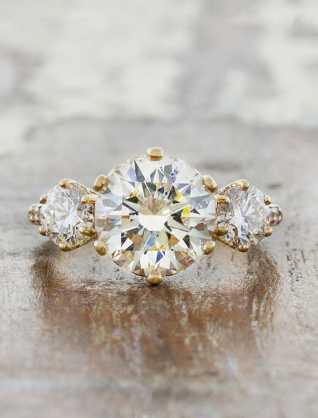 Ohara three stone caption:2.13ct. Round Diamond 14k Yellow Gold