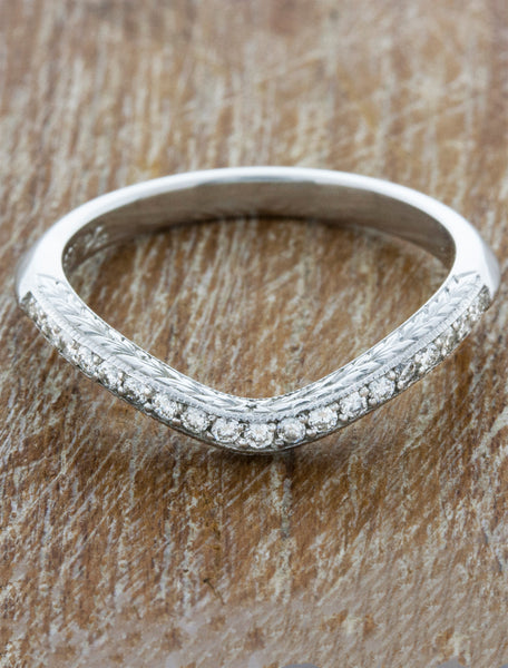 Vintage Inspired V-Shaped Hand Engraved Wedding Ring