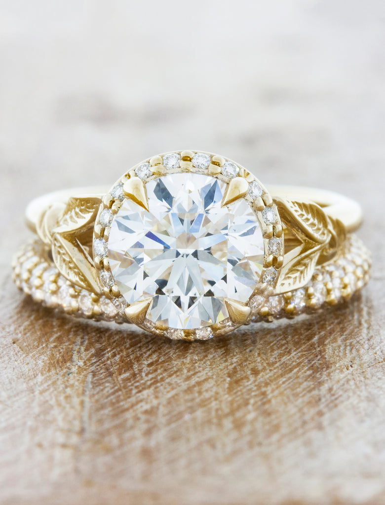 Round Diamond Engagement Ring Paired with Diamond Pave Band