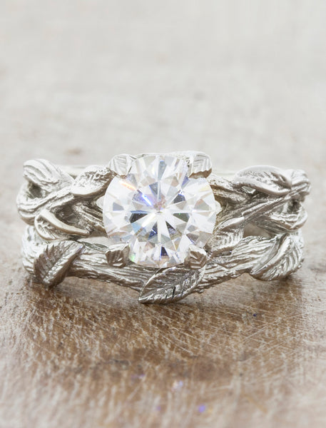 Nature inspired leaf detail wedding ring